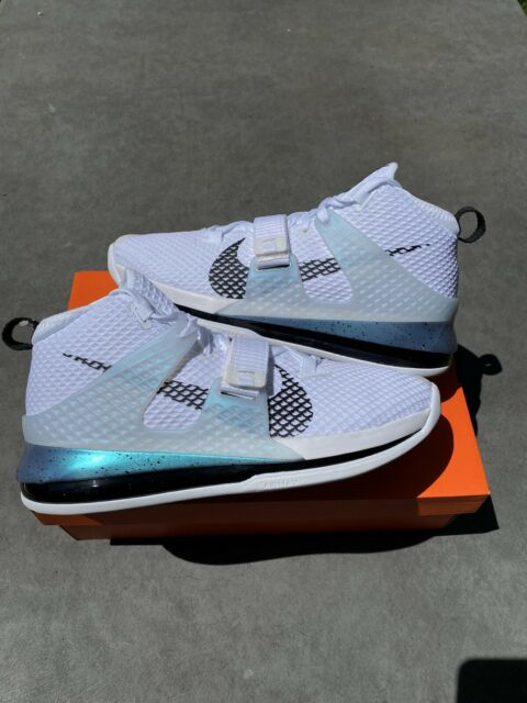 Mens Nike Air Versitile II Basketball Shoes White Black 921692 100