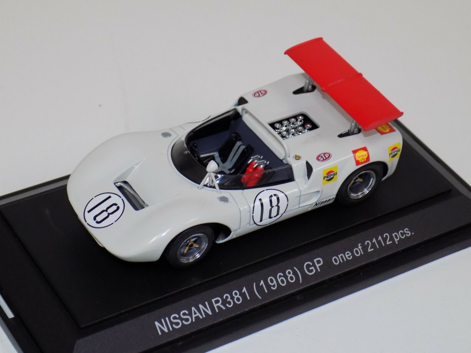 1 43 EBBRO NISSAN R381 groupe 6 voiture  18 1968 in (environ 4998.72 cm) Blanc  494