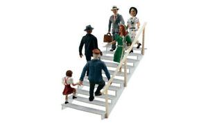Woodland-Scenics-A1954-Step-from-Cherry-Picker-Figurines-H0-1-87
