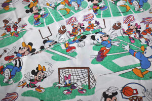 VINTAGE-Disney-flat-sheet-mickey-and-his-friends-drap-plat-mickey