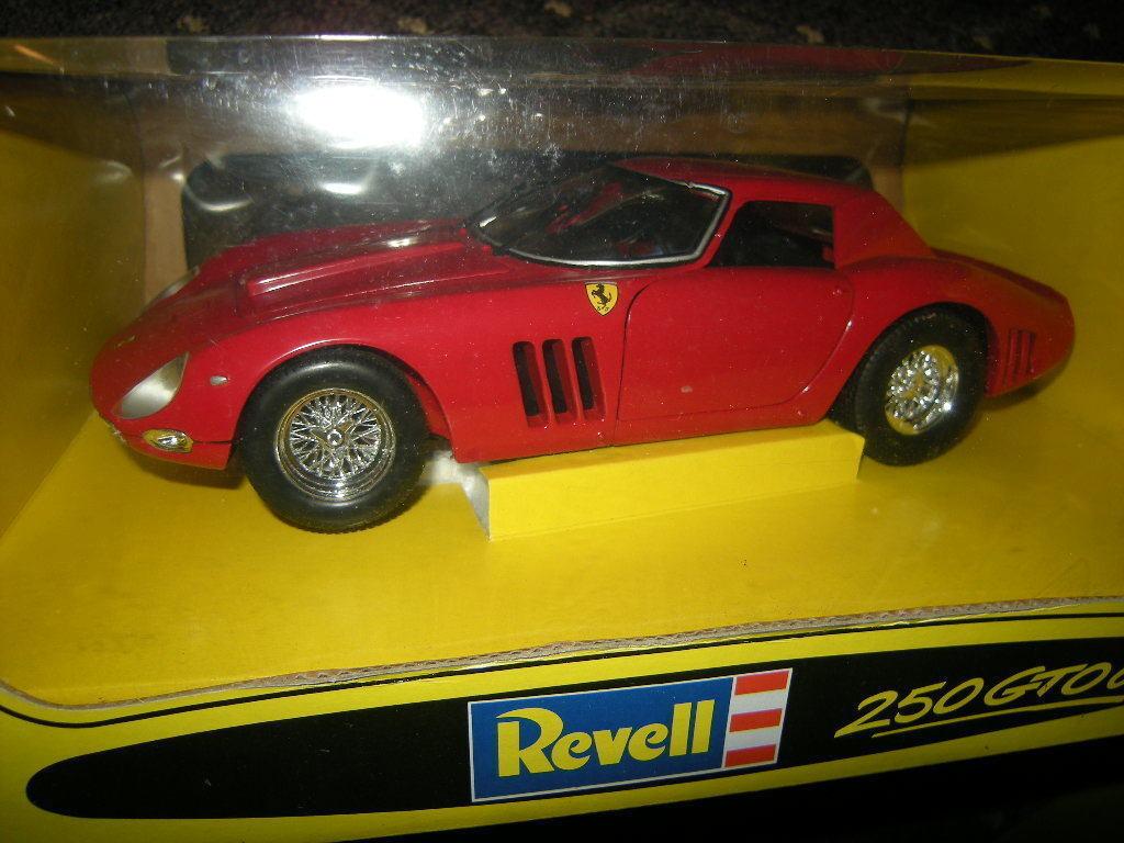 1 18 Revell Ferrari 250 GTO 64 rot rot in OVP