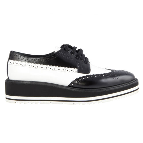 41972 auth PRADA black & white leather BROGUE Plat