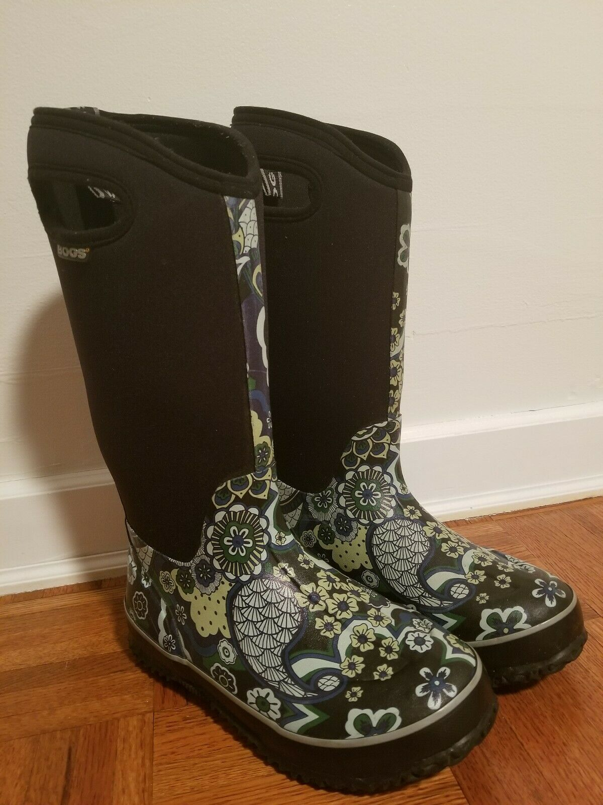 Bogs Winter Boots Womens Classic High Paisley 52236 Size 6 Waterproof -30 Degree