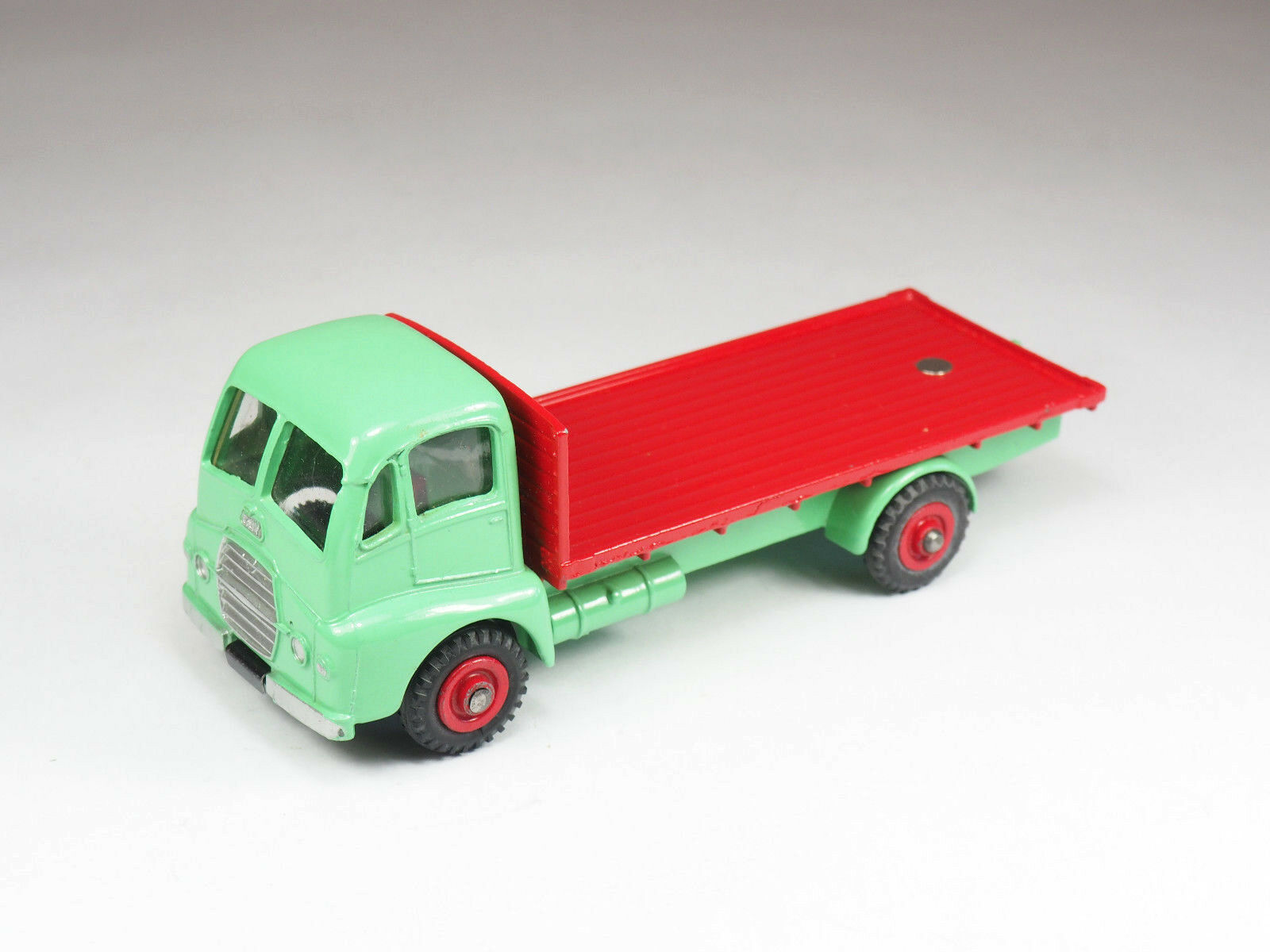Dinky Toys - n°432 - Guy Warrior Flat Bed - England