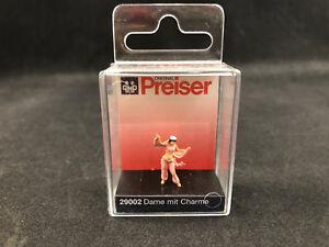 Preiser Christmas Girl 1:87 HO Scale Figure 29026 New in