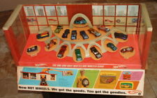 1968 HOT WHEELS RED LINE 16 CAR STORE DISPLAY WITH ORIGINAL RARE FLAP BEAUTIFUL