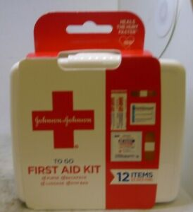 JOHNSON & JOHNSON First Aid To Go Kit 12 Items