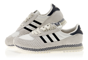 29cd5bcf69b9 Image is loading Adidas-Originals-City-Marathon-PT-White-Navy-D67397-