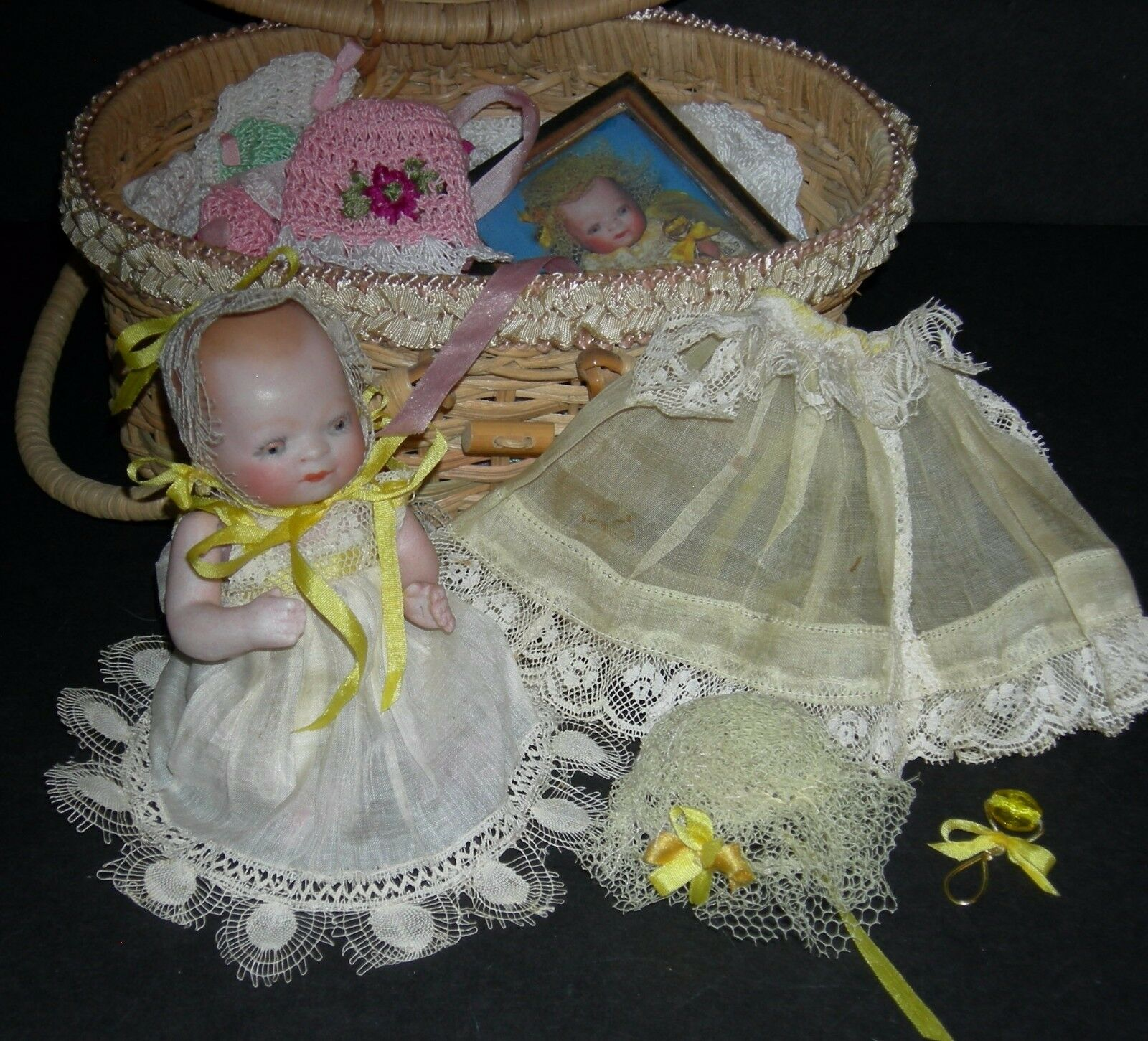 BISQUE BYE-LO BABY - w  OLD BASKET & CLOTHES & ACCESSORIES - 5  - GRACE S PUTNAM