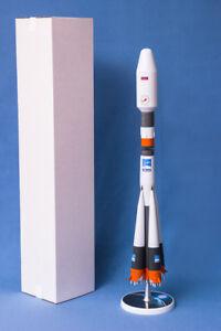 BIG-CUSTOM-MODEL-CARRIER-RUSSIAN-SPACE-launch-vehicle-ROCKET-034-SOYUZ-CARGO-034