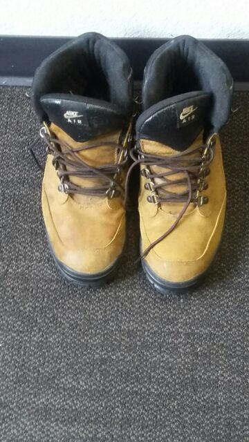 Mens Nike Air boots (ACG) 10.5
