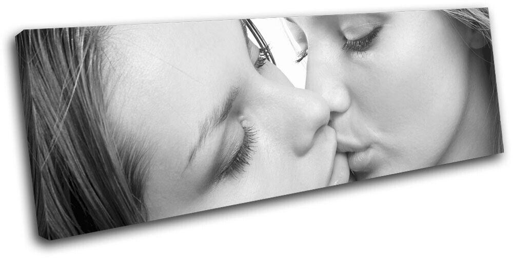 Girls kissing nudes lgbtq sexy erougeic single toile wall art photo print