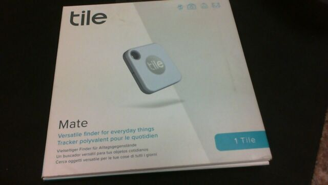 NEW Tile Mate ( 2020 ) Bluetooth Tracker (1 Pack, White) RE-19001
