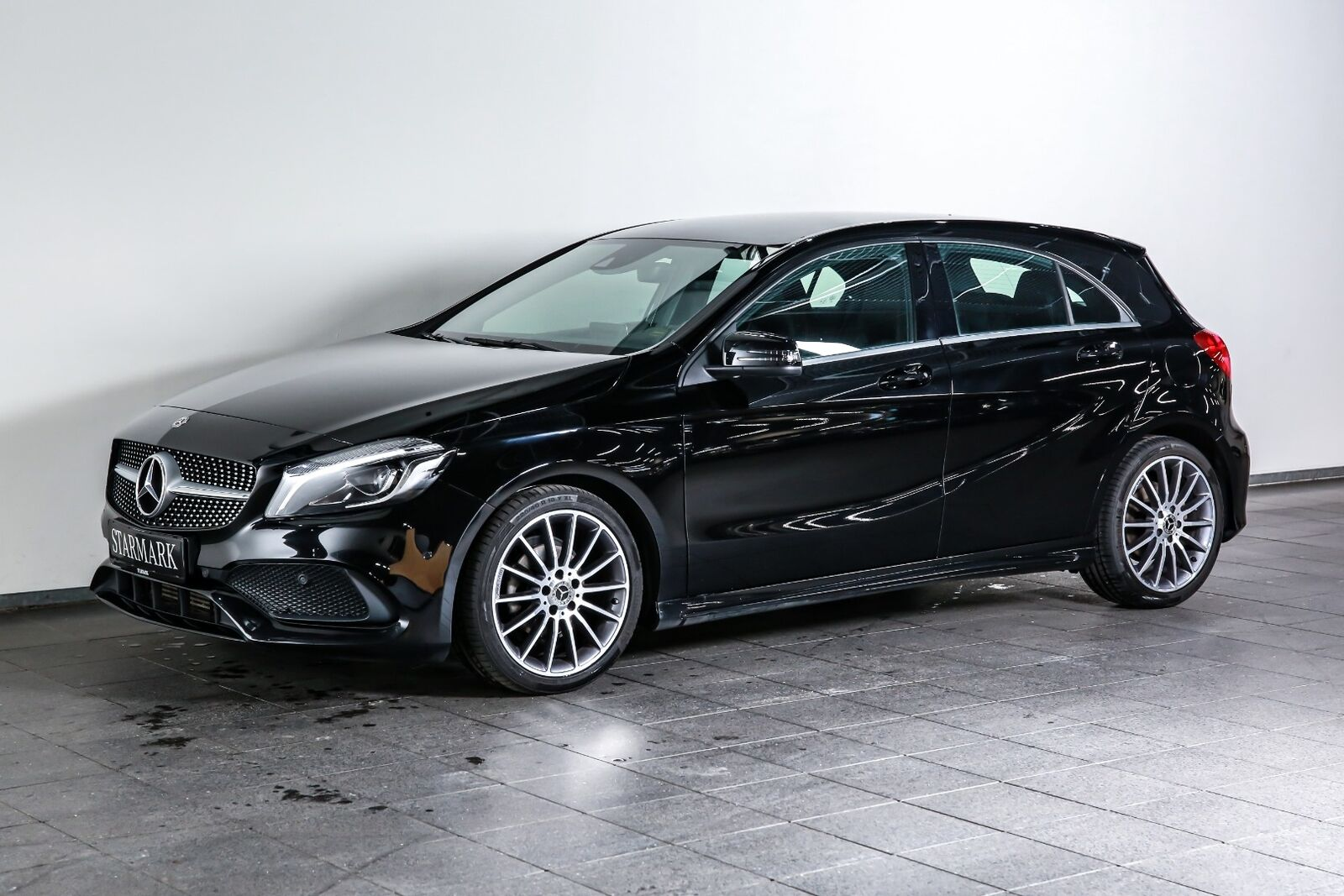 Mercedes-Benz A180 d 1,5 AMG Line