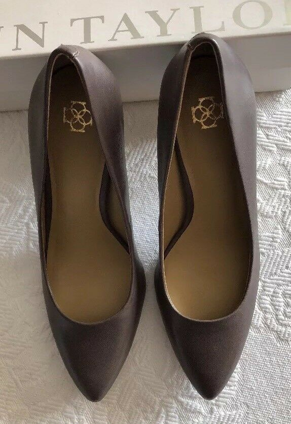 NIB - - - Ann Taylor Butterscotch Kenzie Leather Heels. Size 8. 0ccbd5