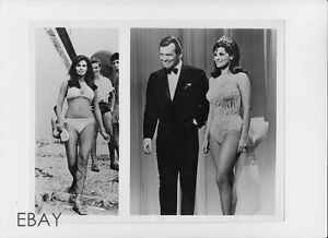 """DALE ROBERTSON RAQUEL WELCH GIG YOUNG /""""THE HOLLYWOOD PALACE/"""" 8X10 PHOTO AA-346"""