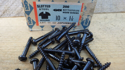 "25 x NETTLEFOLDS GKN 1 1//4/"" x 10  BLACK JAPANNED ROUND HEAD WOOD SCREWS SLOTTED"