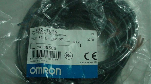 E3Z-T61K E3Z T61K 12-24VDC nuevo Omron Fotoeléctrico Interruptor De De De Envío Gratis 87c063