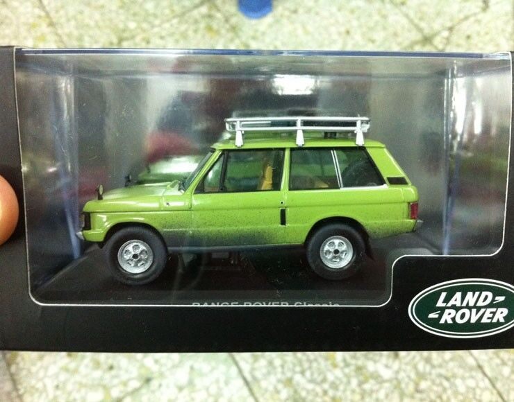 NIB RANGE ROVER Classic  Green  - 1 43 Scale DieCast Model Car