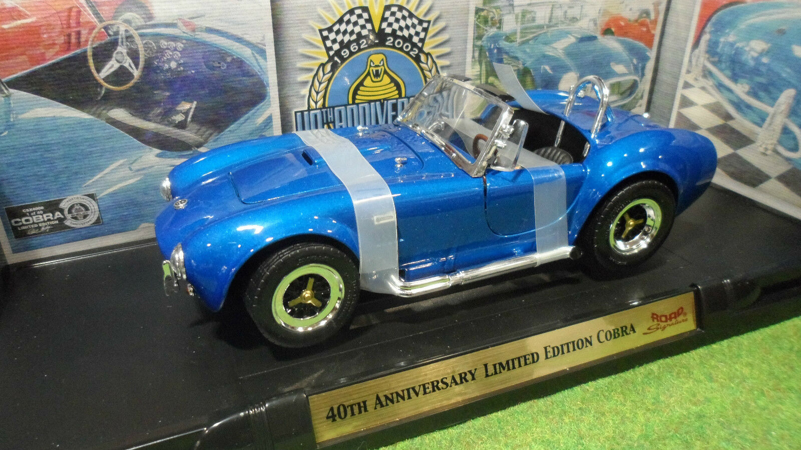SHELBY COBRA 40th Anniversary 1 18 ROAD SIGNATURE YATMING 92059 voiture miniatur