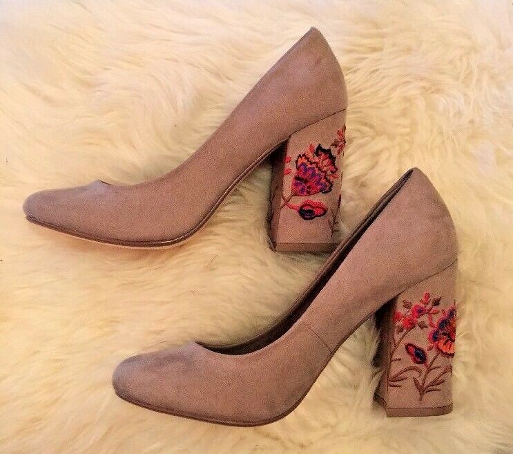 Brand Heels New Restricted Beige Floral Heels Brand Size 7 1/2 14a0b8
