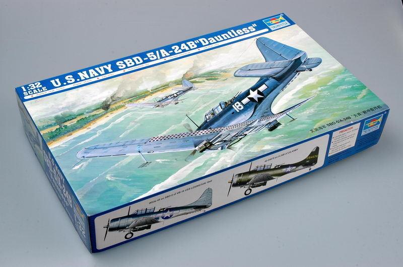 Static SBD-5 A-24B Dauntless Dive Bomber Trumpeter 02243 1 32 US Navy Aircraft