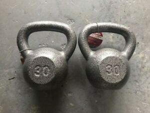 NEW Weider 30 Lb Pound Kettlebell PAIR Weight Cast Iron Kettle Bell 60 LB TOTAL