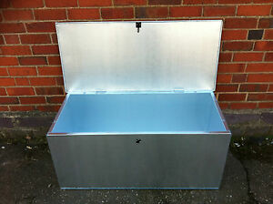Image is loading Low-Galvanised-Feed-Bins-Horse-Rug-Blanket-Box- & Low Galvanised Feed Bins Horse Rug Blanket Box.Animalcornpet ...