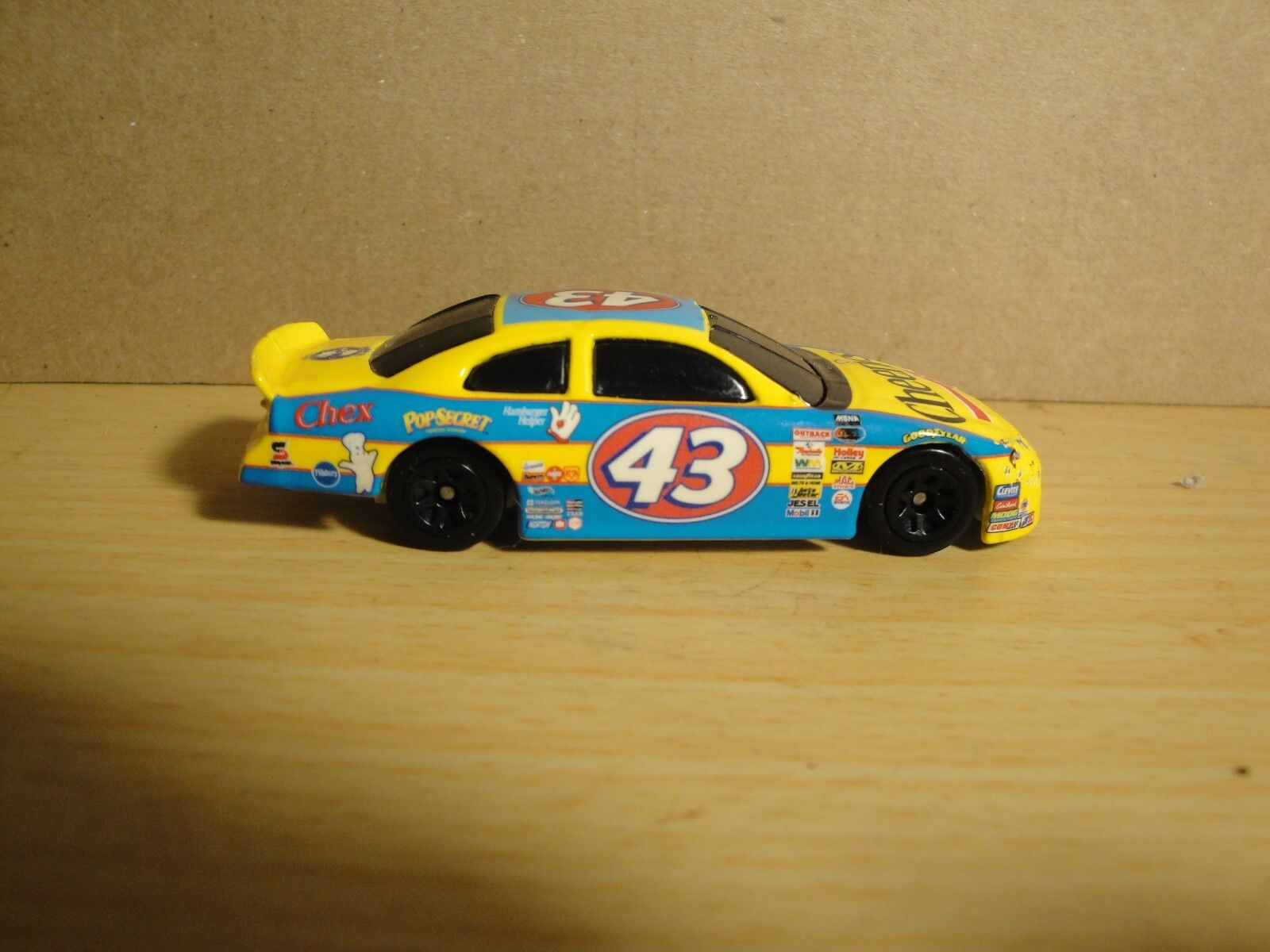 NASCAR John Andretti   Richard Petty Cheerios 2001 Dodge Intrepid Hot Wheels