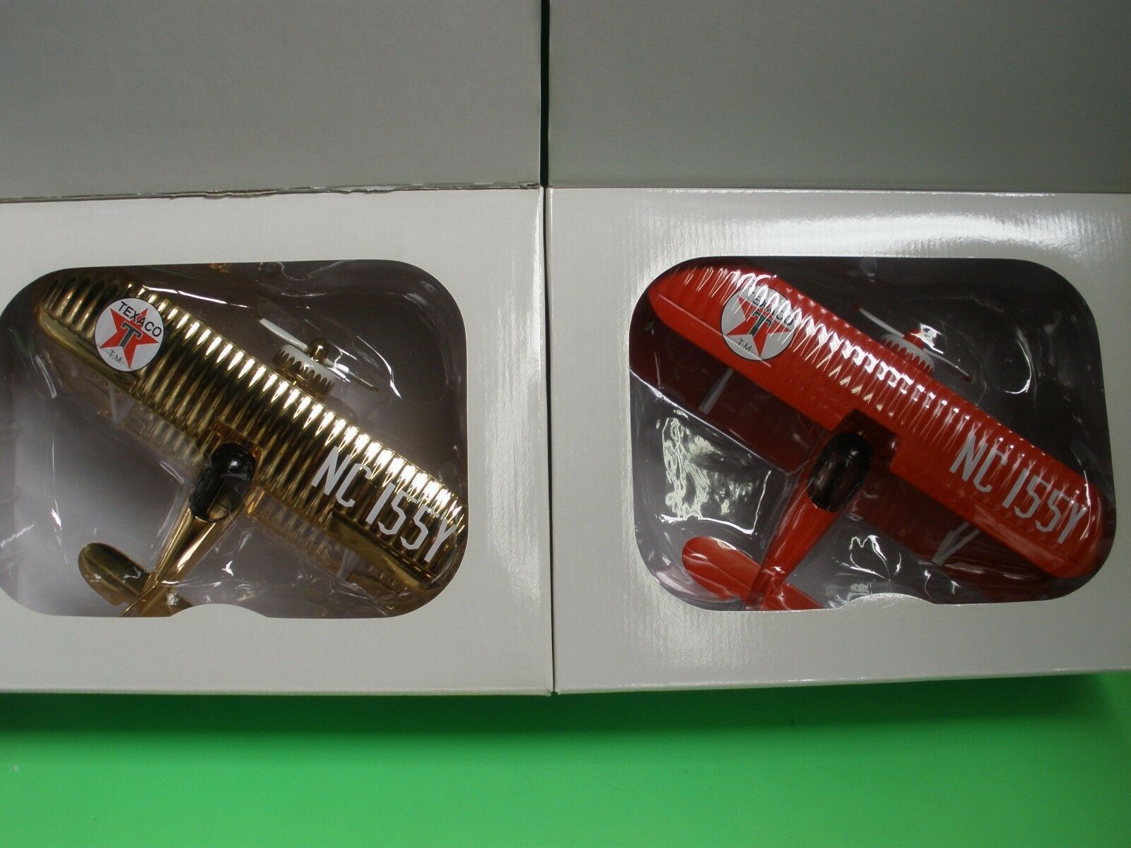 Waco Staggerwing TEXACO AIRPLANE SAMPLERS 24kt oro Plate / rosso Paint NEW MIB