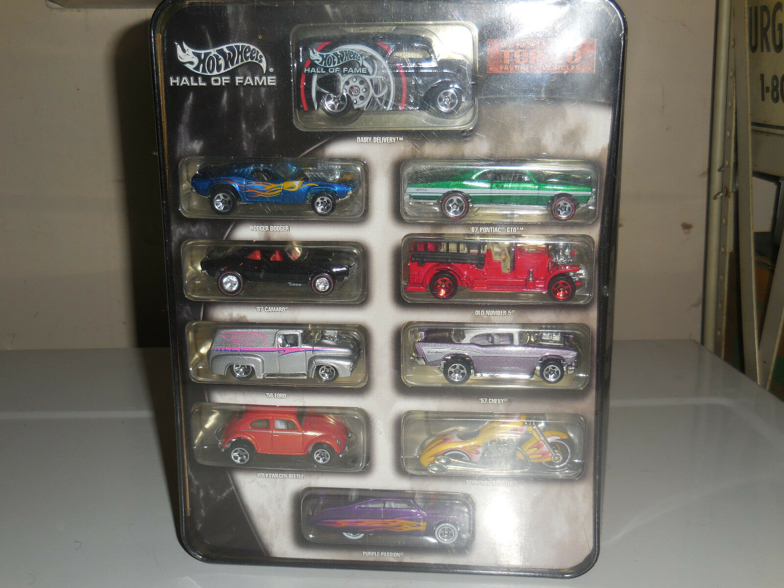 HOT WHEELS HALL of FAME 10 CAR TIN Set VW Bug '67 Camaro Dairy Delivery