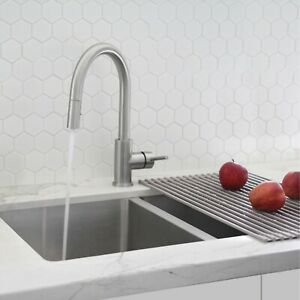 Modern Single Handle  Pull down Sprayer  Kitchen Faucet in Stainless Steel