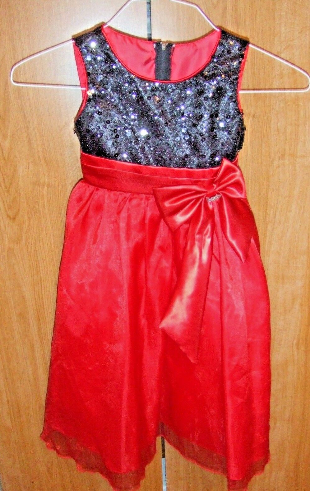 Girls RED AND BLACK Special Occasion Dress by CINDERELLA COUTURE Size 6 FULL