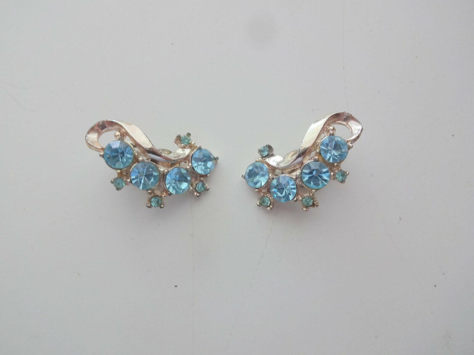 Vtg Aqua Blue Rhinestone Clip On Earrings - image 2