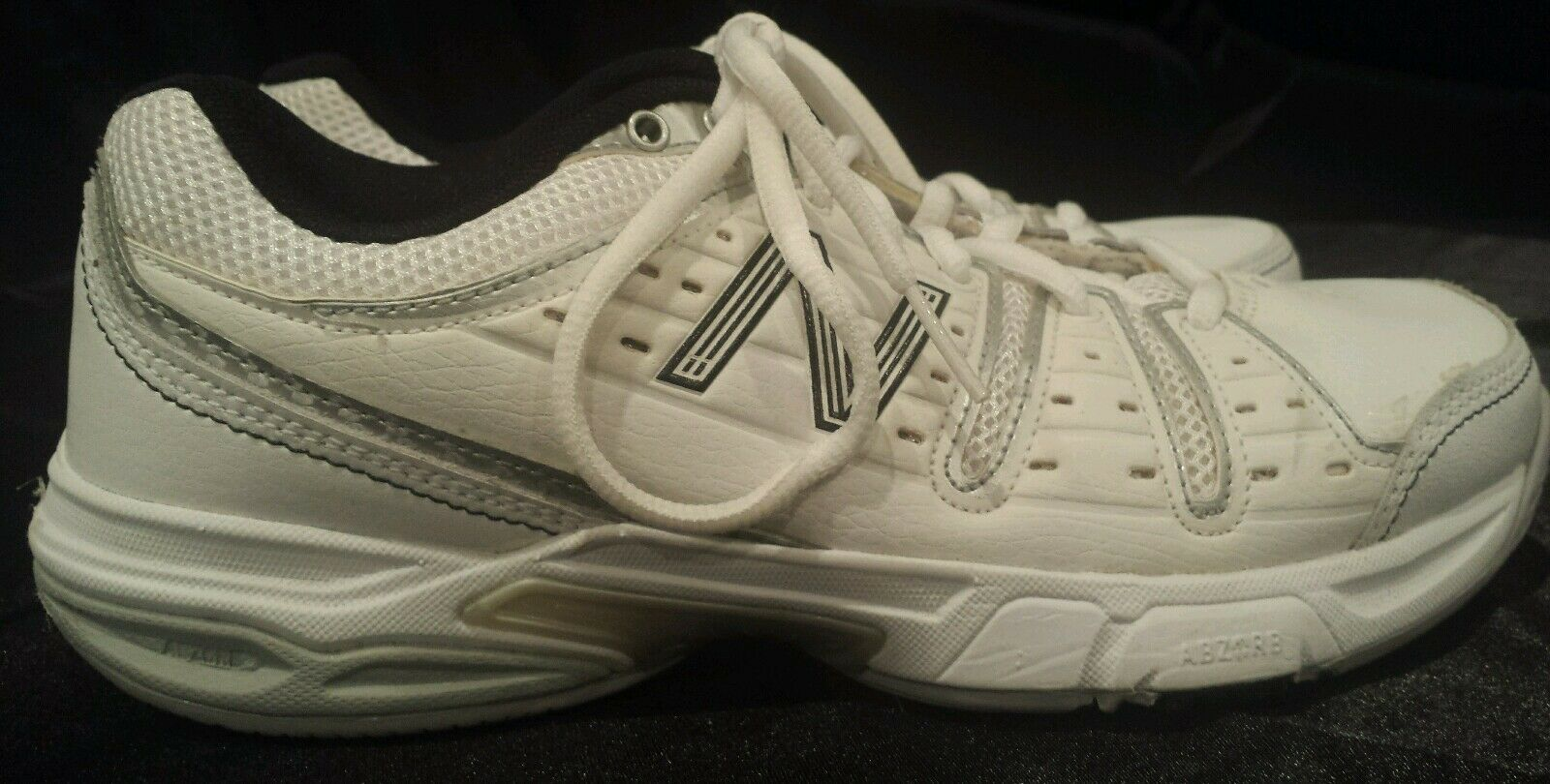 New Balance 656 Tennis shoes Womens shoes White Black WC656WS Size 6.5 B
