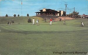 ELKO-NV-1963-Putting-on-the-Green-Ruby-View-Golf-Course-VINTAGE-NEVADA-GEM