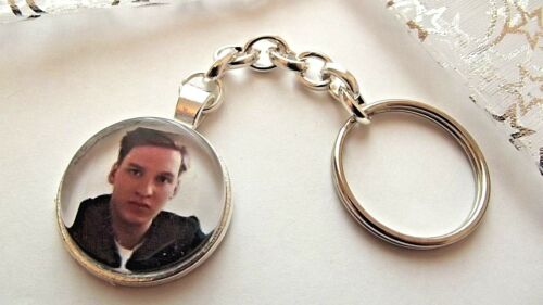 GEORGE EZRA PHOTO KEY RING STRONG CHAIN SINGER  SILVER PLATED GIFT BOXED PARTY