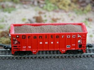 Hay Bros FILL DIRT LOAD Fits Atlas /& Walthers Greenville 2-Bay 100-Ton Hoppers