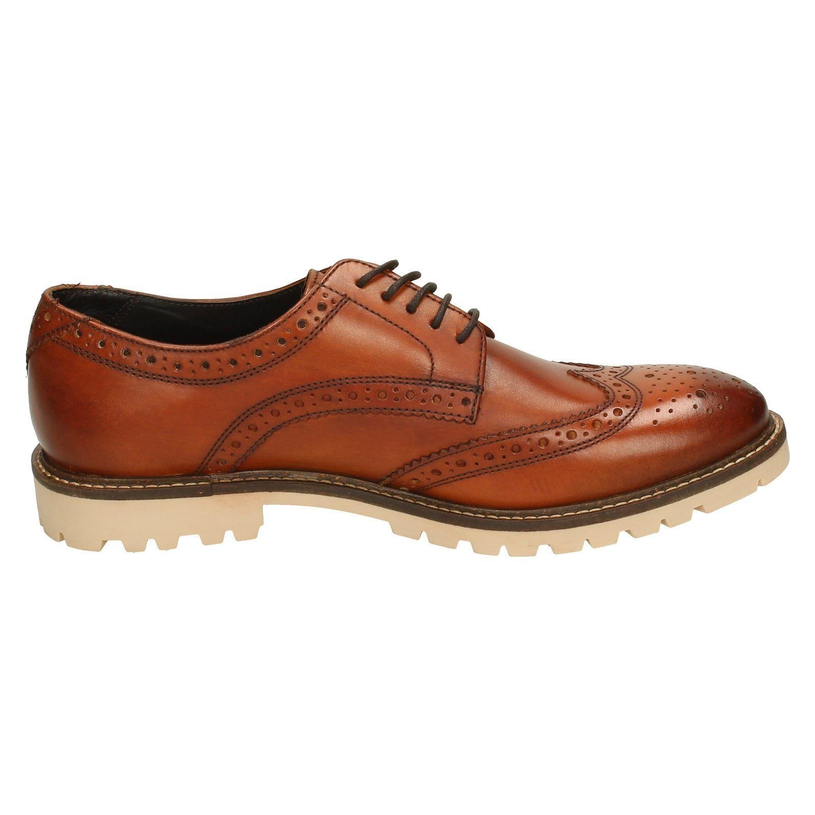 Base London' Raid 'Mens-tan gewaschen Wingtip Derby Brogues förmliche Schuhe