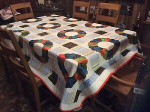 Vintage-Handmade-Quilt-Dresden-Plate-Beautiful