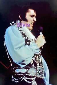 ELVIS-PRESLEY-IN-GYPSY-WITH-CHICKEN-BONES-CONCERT-TOUR-JULY-1975-PHOTO-CANDID