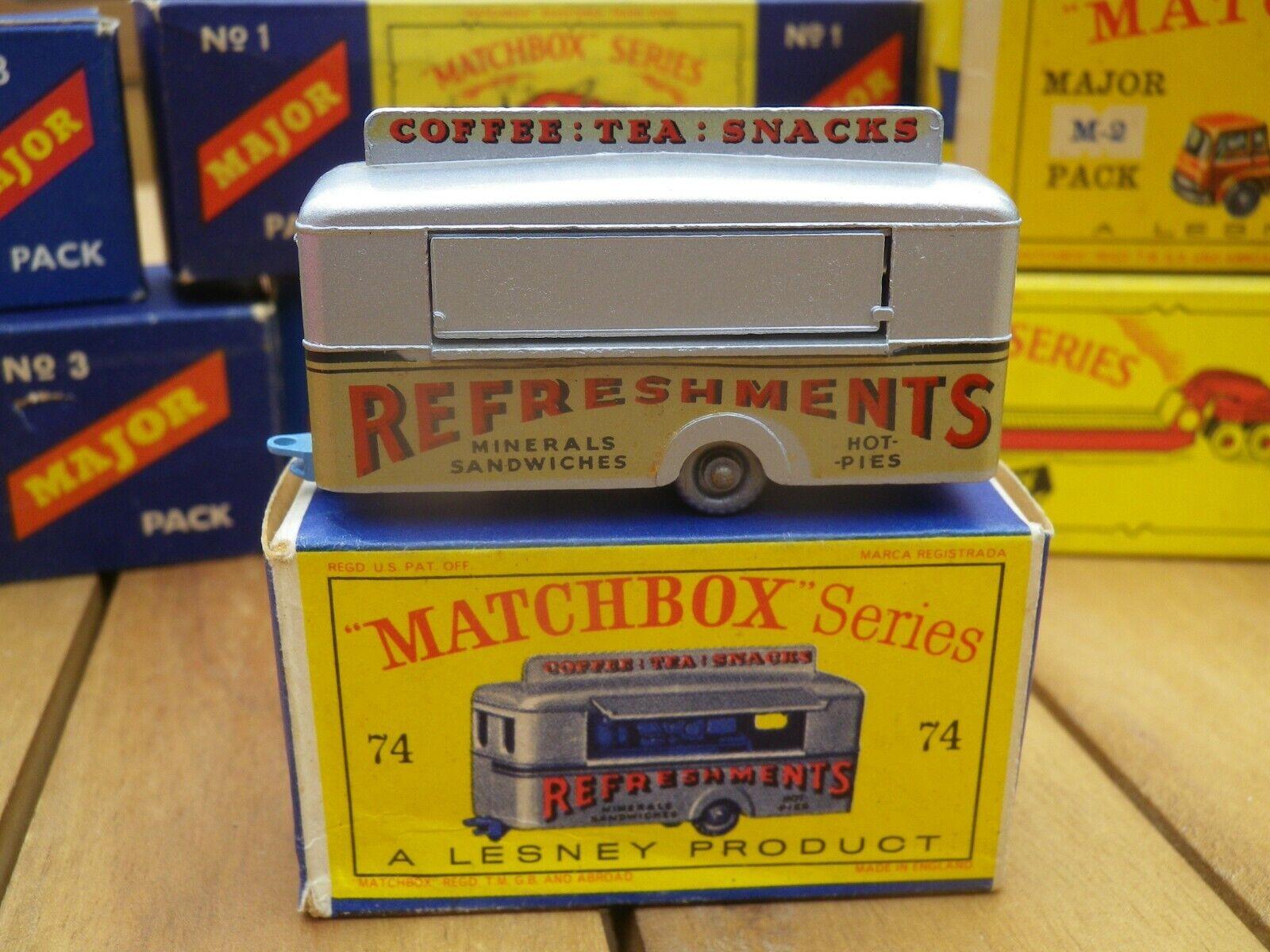 MATCHBOX LESNEY 74 MOBILE CANTEEN ROUES PLASTIQUE argentoé COMME NEUF et D2 BOX