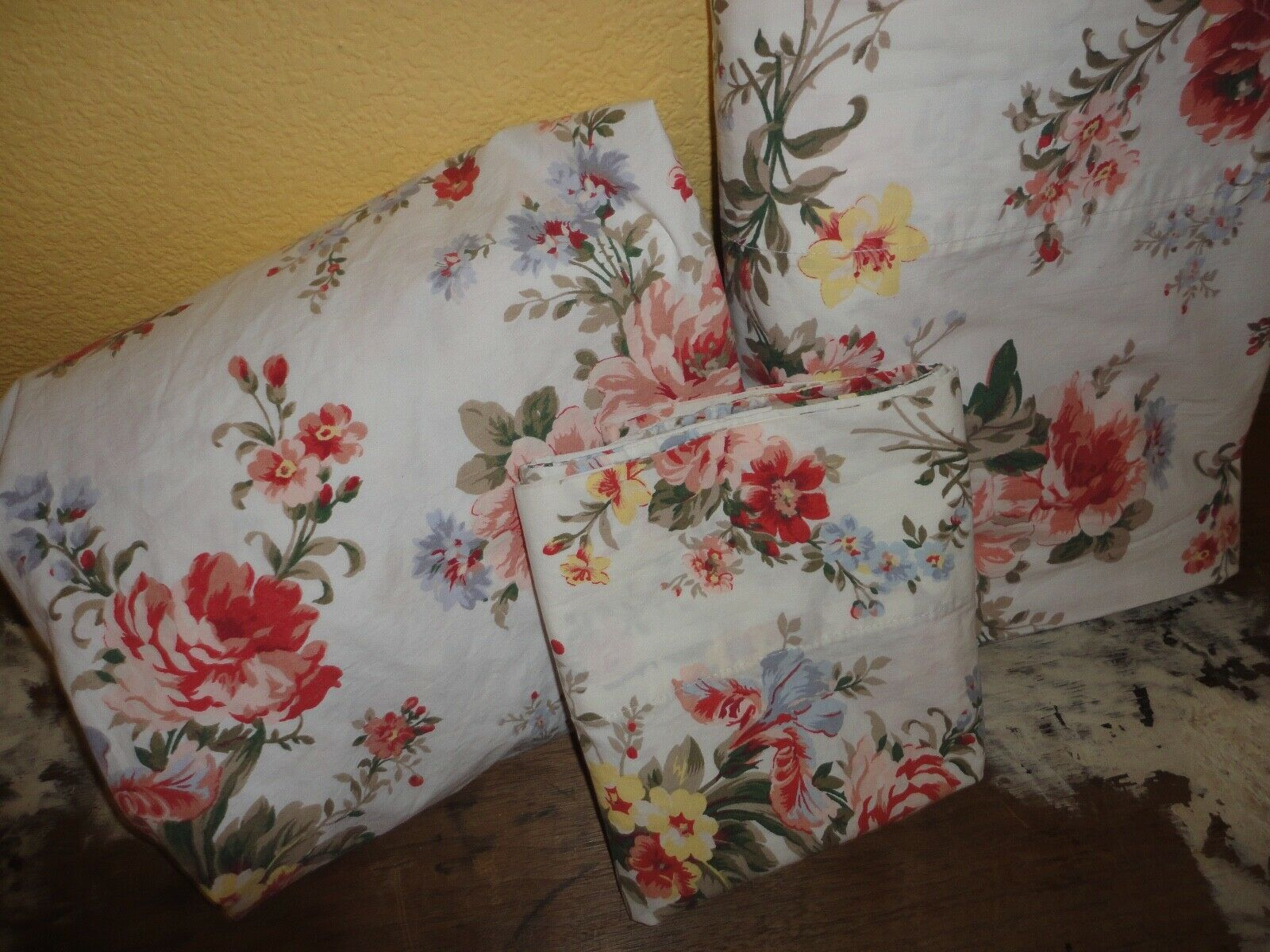 RALPH LAUREN PETTICOAT FLORAL CORAL CINNAMON (3PC) TWIN FITTED SHEET SET