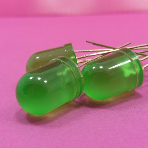 10 mm diffuse Vert Lampe à diode électroluminescente DEL 2 broches 20 mA 520-525 Presque comme neuf