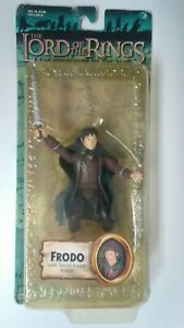 Frodo-Baggins-action-figure-Sword-Attack-2003-Toy-Biz-Lord-of-the-Rings-New