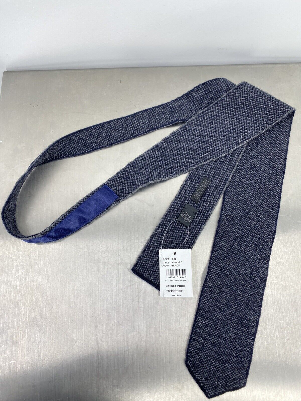 Saks Fifth Avenue 100% Cashmere Gray Tie Made In Italy (B9)