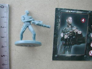 KENEP ZOMBIE KILLER HEAVY WEAPON MINIATURE + CARD  / Z FIRST IMPACT #37