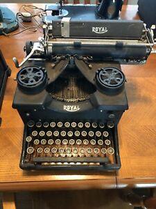 Vintage Royal 10 Typewriter