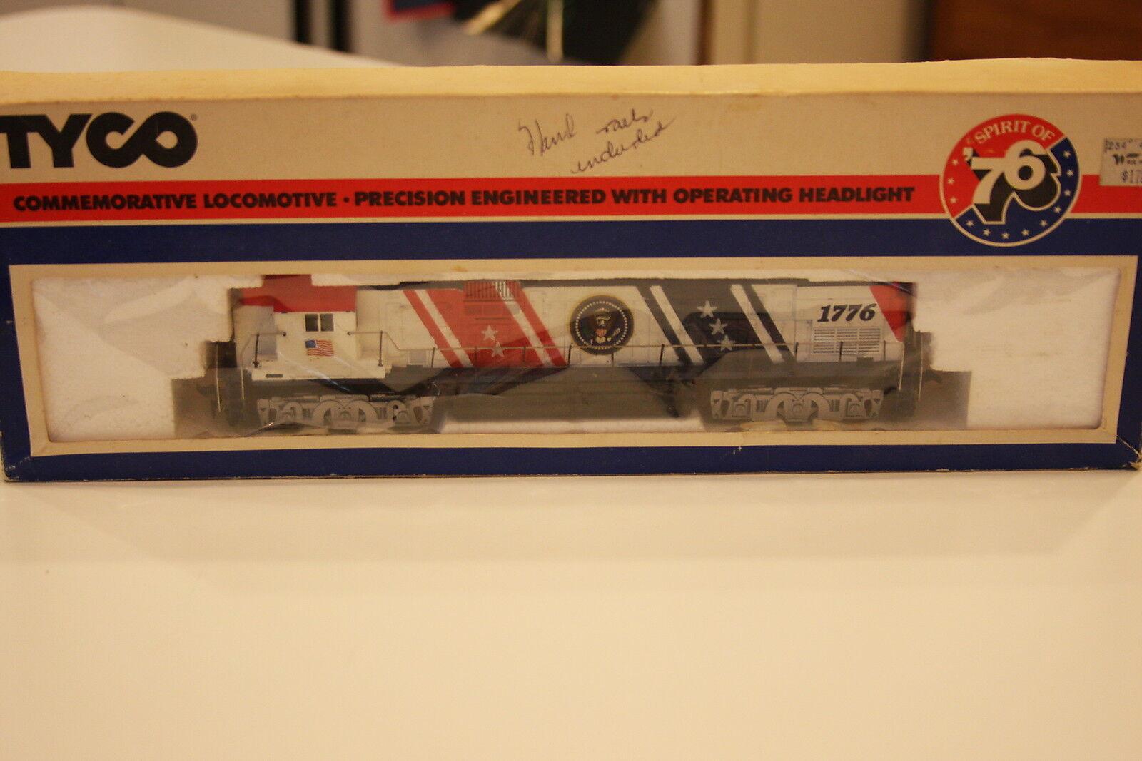 Tyco HO Super Spirit of '76'   246 Locomotive Rare Hand Rails Intact