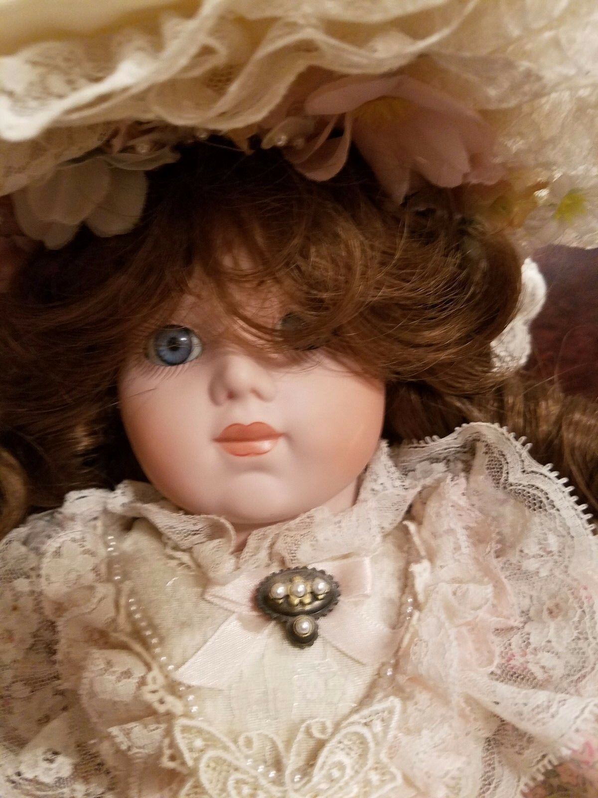 Beautiful Gorham 1989 20  musical Doll with Gorgeous Victorian Dress